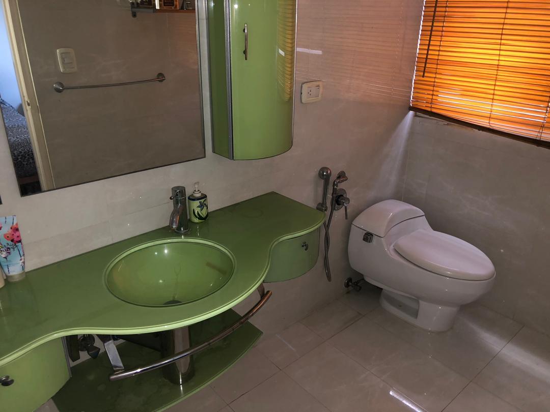 Av Las Acacias, Libertador, 3 Habitaciones Habitaciones, ,4 BathroomsBathrooms,Apartamento,En Venta,Av Las Acacias,1174